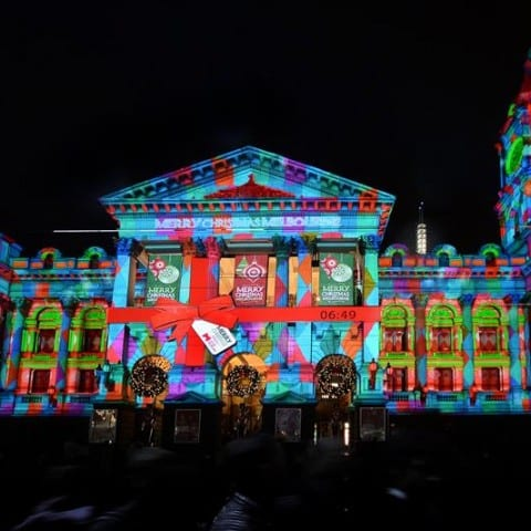 christmas-projection-show-town-hall